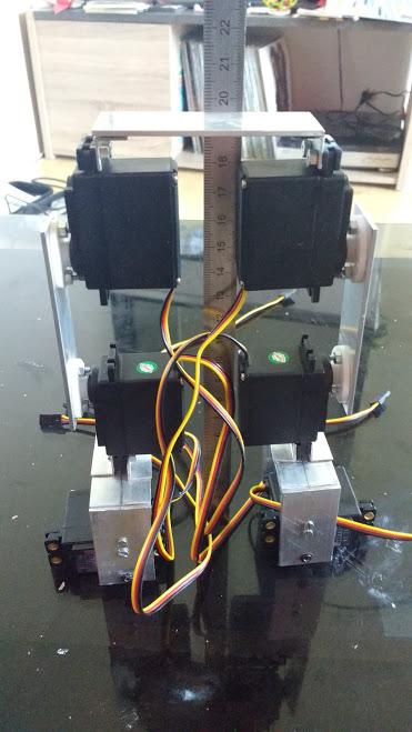 Robot bipede 1.jpg