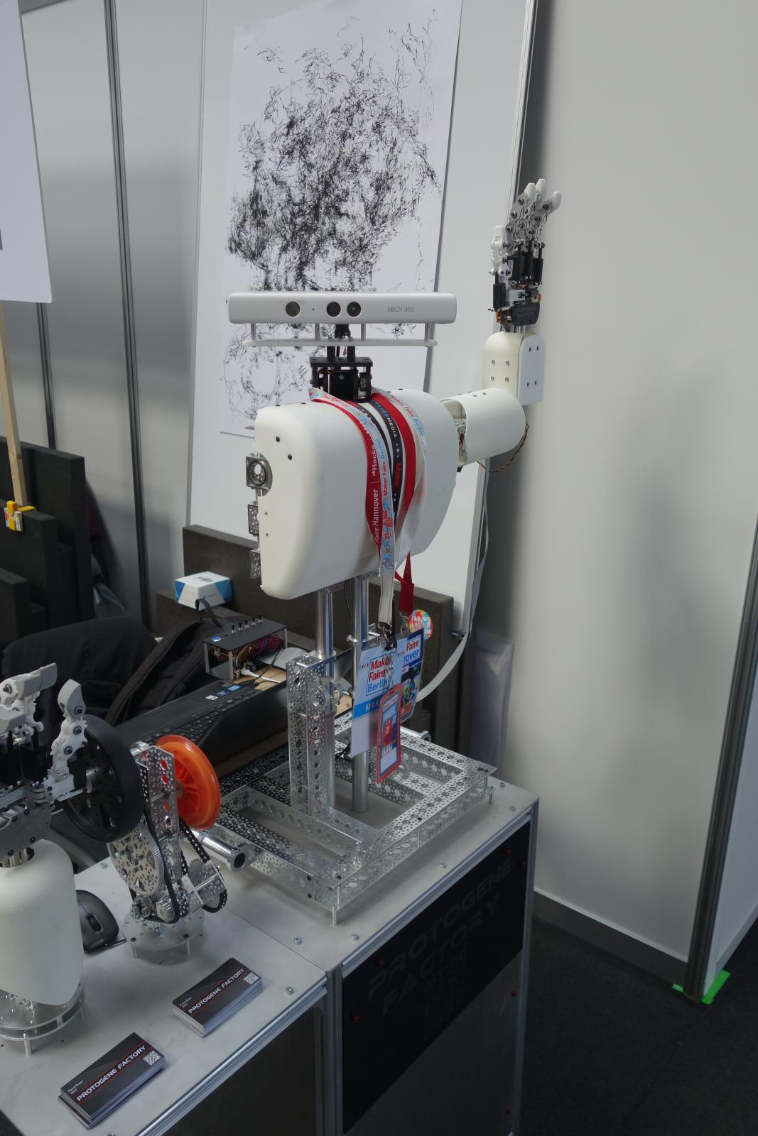 BioGrip 3.1 - Maker Faire Berlin - 1.jpg