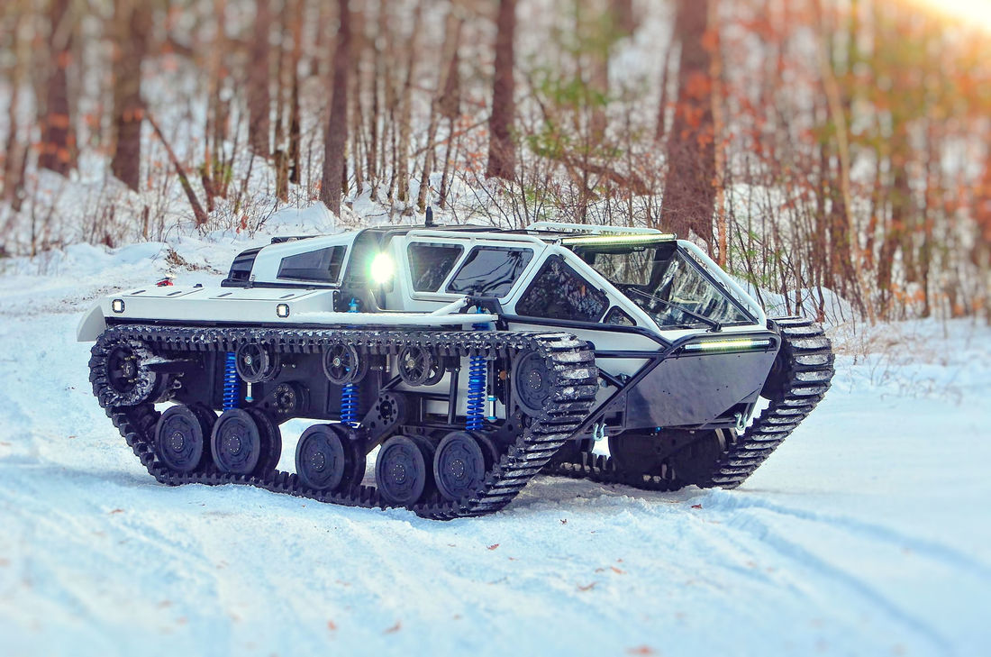 ripsaw-ev3-f4-4-seater-ripsaw-ev2-price-cost-sherp-cost-luxury-super-tank-sherp-off-road-4x4-tank-army-for-sale_1_orig1.jpg